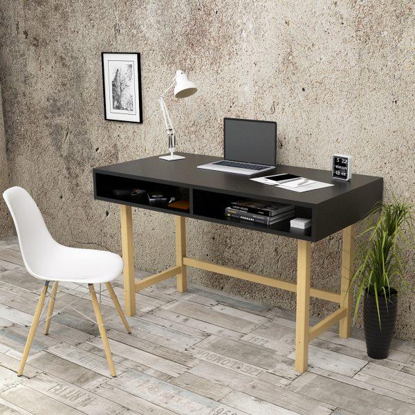 Siyah çalışma masası